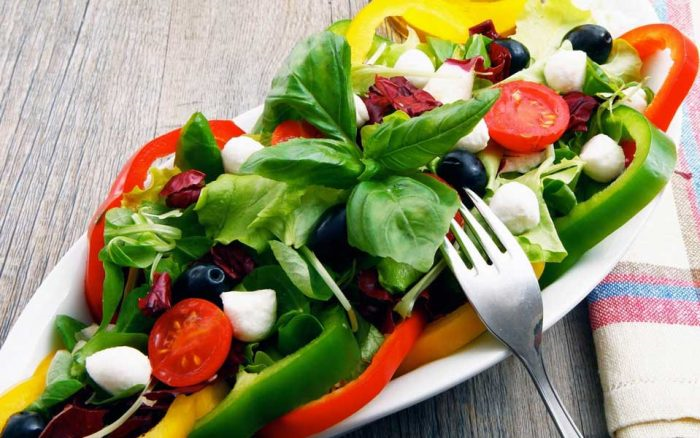 تغذیه نیز همواره در تمامی شیوه های کاهش وزن به عنوان مکمل عمل میکند