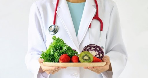 مشاوره تغذیه چه وظایفی را به عهده دارد؟