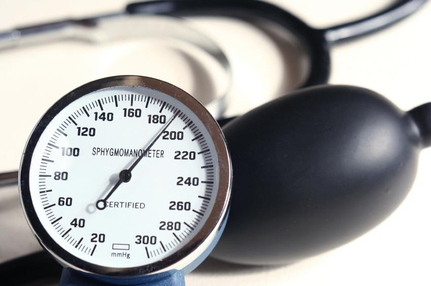 آیا در کنار یک رژیم غذایی برای بیماران فشار خونی می توان از دارو نیز استفاده کرد؟