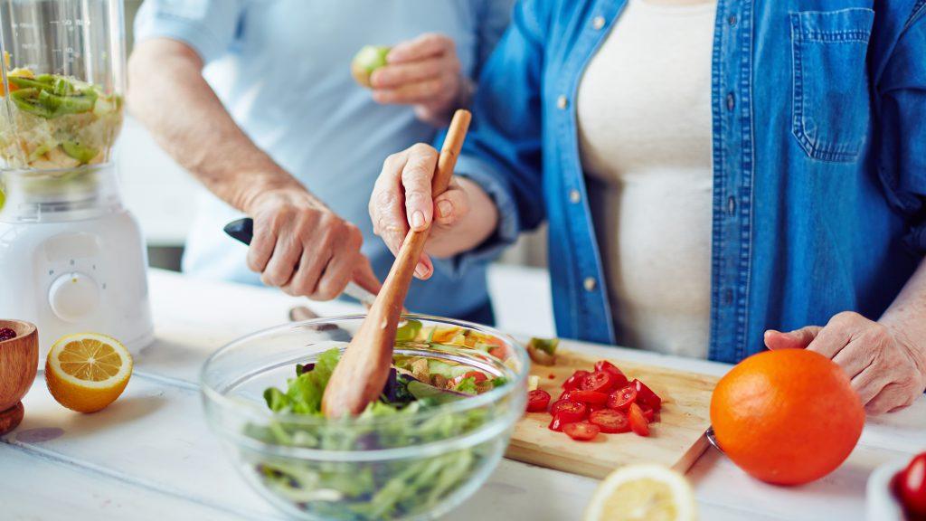 نوشیدنی های مجاز در رژیم غذایی برای بیماران فشار خونی چیست؟