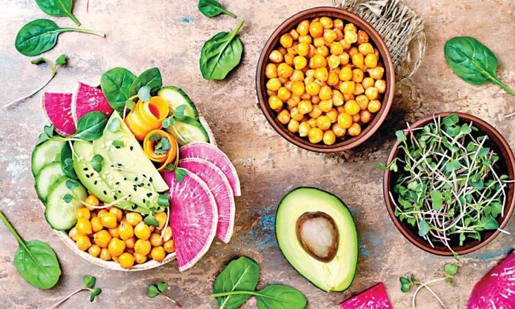 چگونه پروتئین می تواند به شما کمک کند تا به طور طبیعی لاغر شوید؟