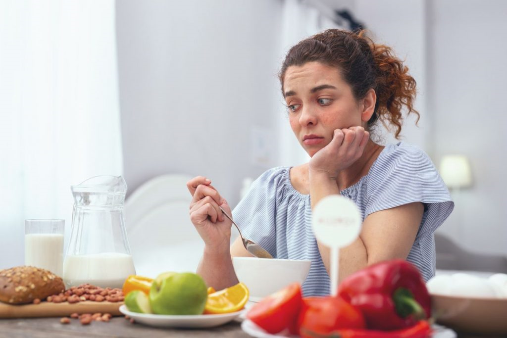 اگر شخصی دچار اضافه وزن باشد با استفاده از میزان غذاها میزان گرسنگی افراد کنترل نمی شود