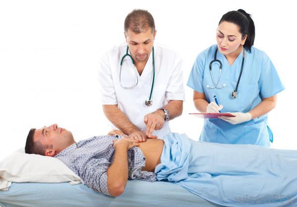 انجام معاینات بدنی برای تشخیص کبد چرب